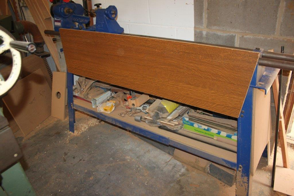 RECORD CLI 36 X 15 240V WOOD LATHE 3 SPEED C/W CONTENT
